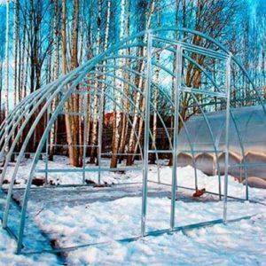 Теплица из поликарбоната МЗТ-4 40Ц-0,67 от производителя «Минский завод теплиц»