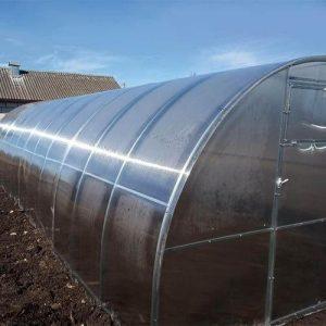 Теплица из поликарбоната с шагом между дугами 67 см, профиль 20х20
