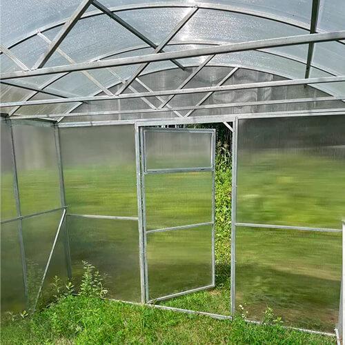 Арочная крыша прямостенной теплицы МЗТ